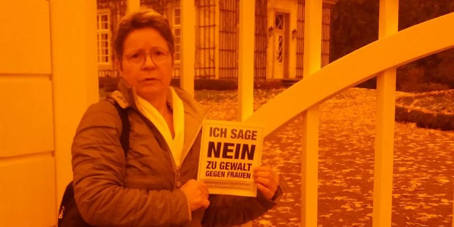 Brigitte aus Bremen sagt NEIN zu Gewalt gegen Frauen