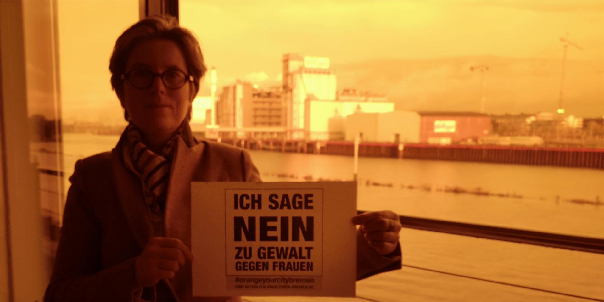 Christine, Präsidentin Zonta Club Bremen, sagt NEIN zu Gewalt gegen Frauen