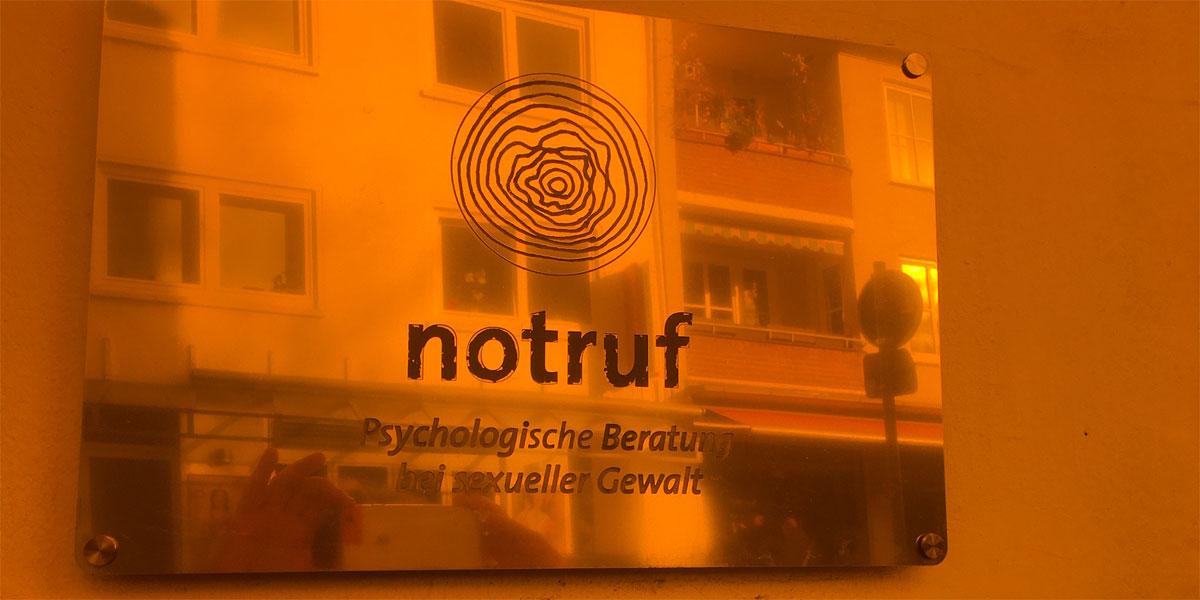 der notruf in Bremen unterstützt Orange your City