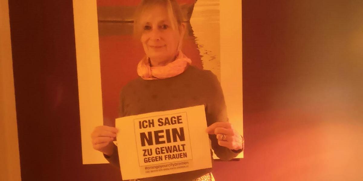 Sibylle aus Bremen sagt NEIN zu Gewalt gegen Frauen